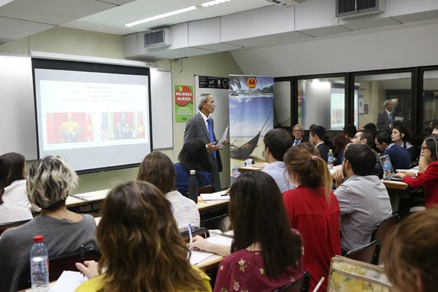 Efectuan charla sobre Vietnam en Universidad Argentina de la Empresa hinh anh 3