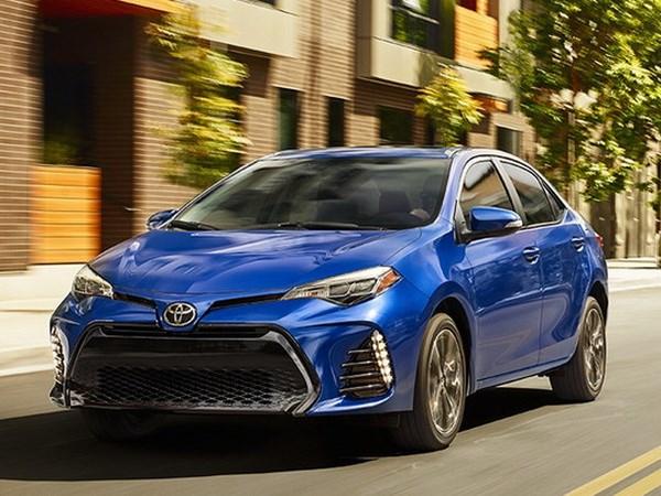 Toyota Vietnam llama a revision Corolla Altis 2017 por defeccion hinh anh 1