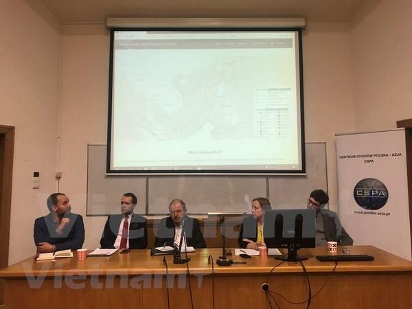 La UE se opone a la construccion de islas artificiales en el Mar del Este, afirman estudiosos polacos hinh anh 1
