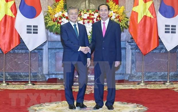 Recibe presidente de Vietnam a su homologo de Sudcorea en el Palacio presidencial hinh anh 1