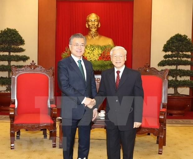 Vietnam es un socio muy importante de Sudcoera en Sudeste Asiatico, afirma Moon Jae-in hinh anh 1