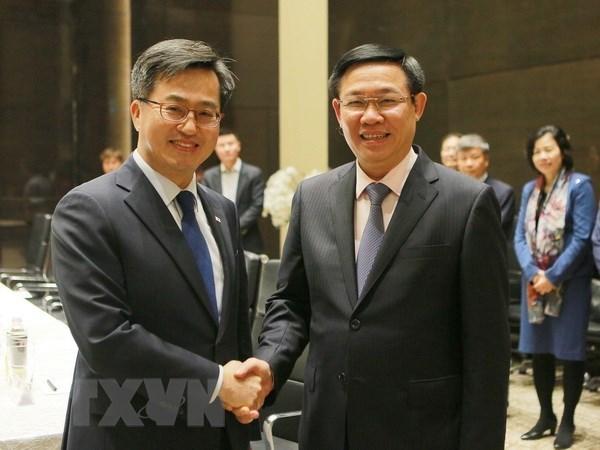 Vietnam y Sudcorea se esfuerzan para elevar valor del intercambio comercial hinh anh 1