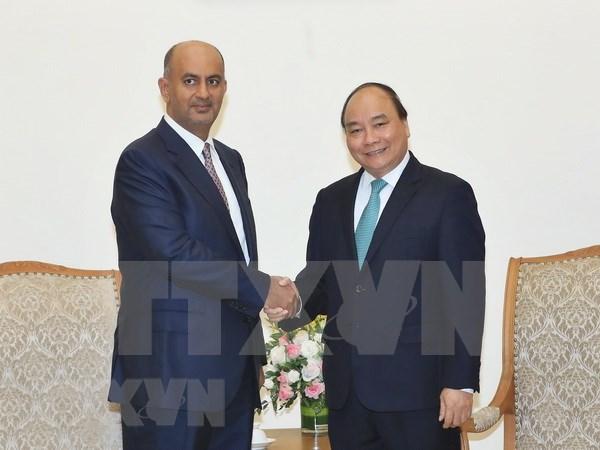 Vietnam crea condiciones favorables para empresas de Oman, afirma premier hinh anh 1