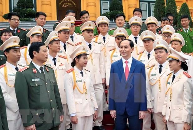Presidente vietnamita sostuvo encuentro con policias jovenes mas destacados hinh anh 1