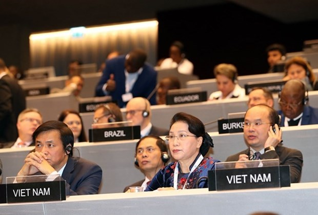 Presidenta del Parlamento vietnamita insta a proteger derechos humanos de los migrantes hinh anh 1