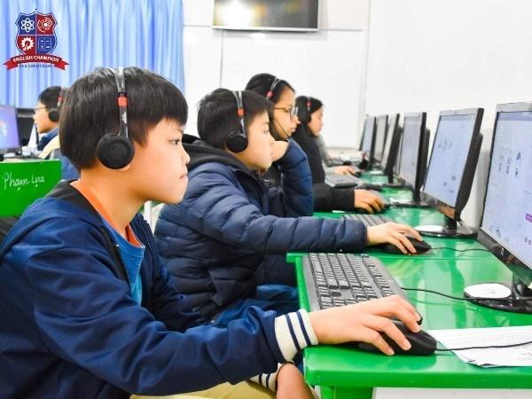 Unos 500 alumnos de una decena de paises participaran en competencia de matematica en Hanoi hinh anh 1