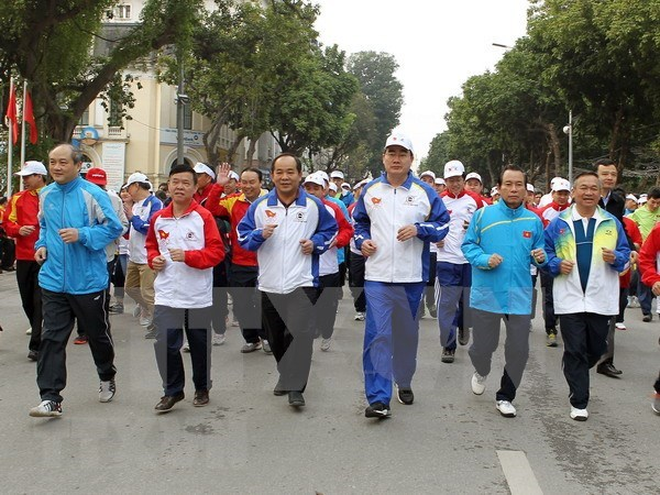 Localidades vietnamitas responden al Dia de la Carrera Olimpica por la Salud Publica hinh anh 1