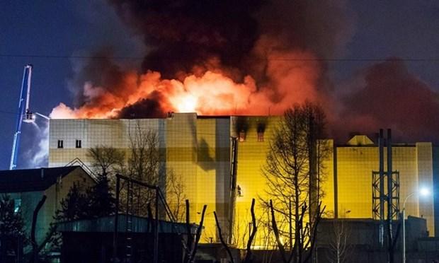 Vietnam dispuesto a proteger sus ciudadanos frente a incendio de gran centro comercial en Rusia hinh anh 1