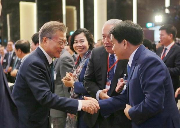 Hanoi promete mejor entorno de negocios para inversionistas extranjeros hinh anh 1