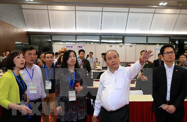 Premier vietnamita supervisa preparativos para cumbres de GMS y CLV hinh anh 1