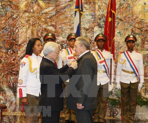 La amistad entre Cuba y Vietnam ha superado la prueba del tiempo, afirmo Raul Castro hinh anh 1