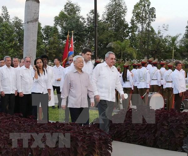 Secretario general del PCV continua actividades en Santiago de Cuba hinh anh 1