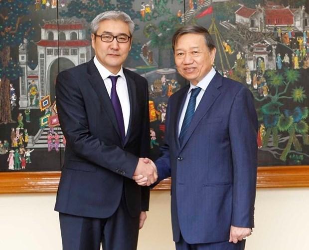 Vietnam y Mongolia cooperan en la lucha contra crimenes hinh anh 1