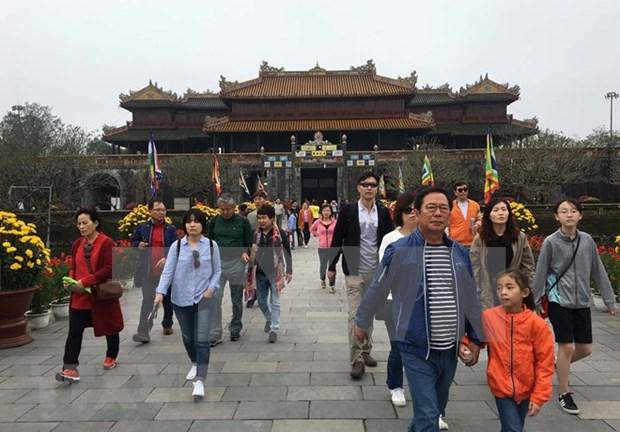 Thua Thien-Hue recibe mas de un millon de turistas en primer trimestre hinh anh 1