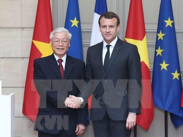 Vietnam por impulsar perfeccionamiento de marco legal para cooperacion con Cuba y Francia hinh anh 1