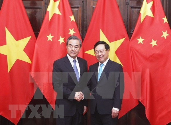 Vietnam y China acuerdan incrementar intercambio de delegaciones hinh anh 1