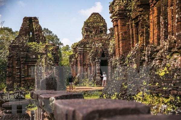 Vietnam e India trabajan en la traduccion de letras antiguas en Santuario de My Son hinh anh 1