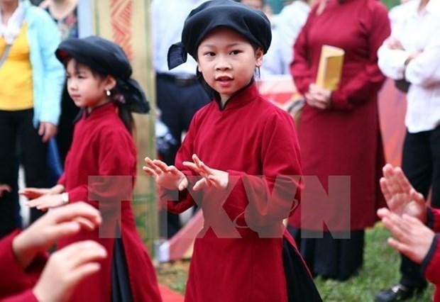 Interpretaran Canto Xoan en ocasion del Festival del Templo de Reyes Hung hinh anh 1