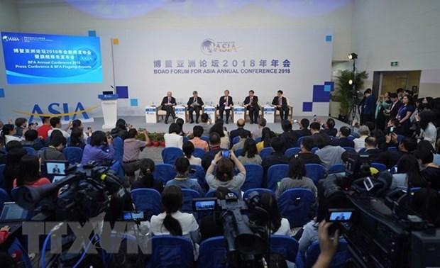 China y Singapur comprometidos a profundizar la cooperacion en sectores clave hinh anh 1