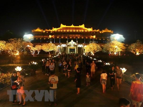 """Reconocida urbe de Hue como """"Ciudad de turismo limpio de ASEAN"""" hinh anh 1"""