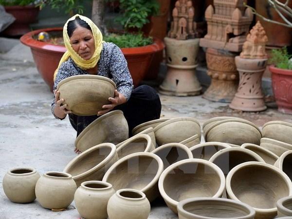 Aldea de ceramica de Bau Truc, destino turistico con grandes atractivos para visitantes hinh anh 1