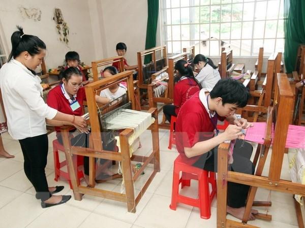 Amplian oportunidades de empleos para discapacitados vietnamitas hinh anh 1