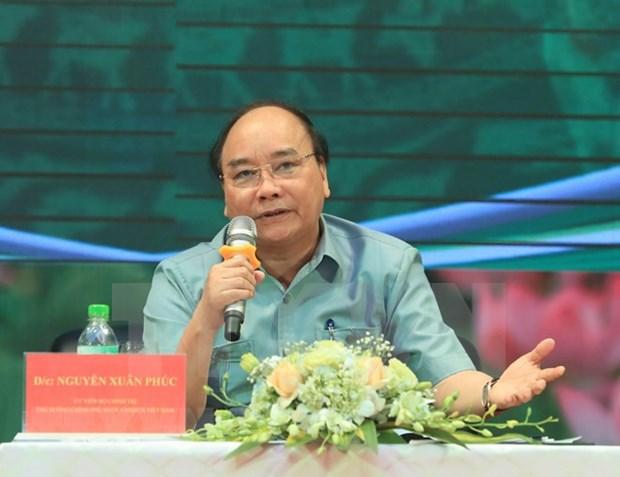 Premier de Vietnam responde a preguntas de agricultores hinh anh 1