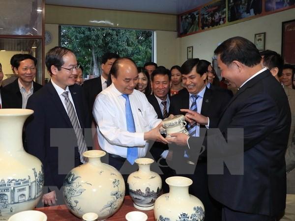 Premier de Vietnam insta a preservar valores de ceramica Chu Dau hinh anh 1