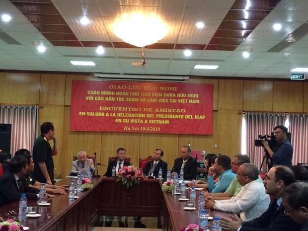 Encuentro amistoso fortalece relaciones Vietnam- Cuba hinh anh 1