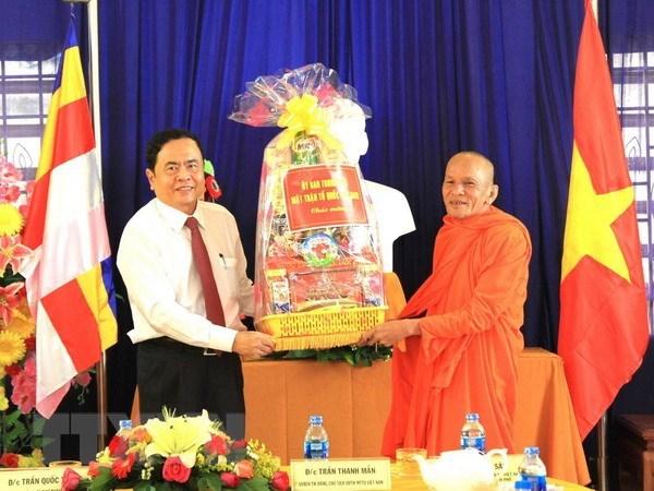 Presidente del FPV felicita a los khmeres por fiesta de ano nuevo hinh anh 1
