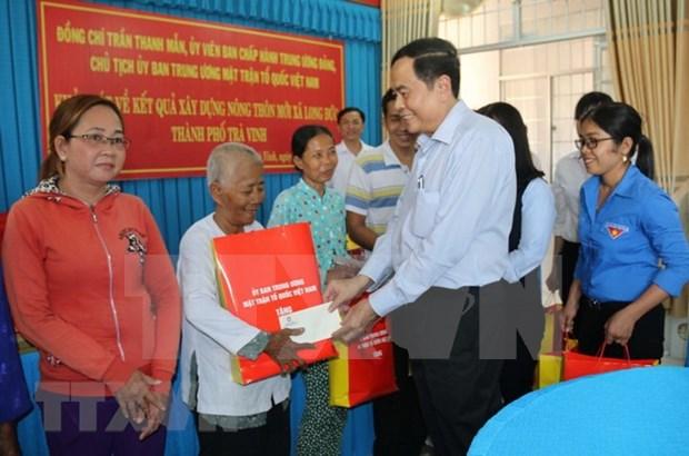 Dirigente vietnamita visita comunidad de Khmer por festival de Chol Chnam Thmay hinh anh 1