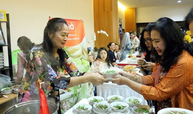 Vietnam asiste al Festival de Gastronomia de ASEAN a favor de ninos pobres hinh anh 1