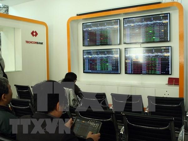 Bolsas de valores de Hanoi y Moscu firman acuerdo de cooperacion hinh anh 1