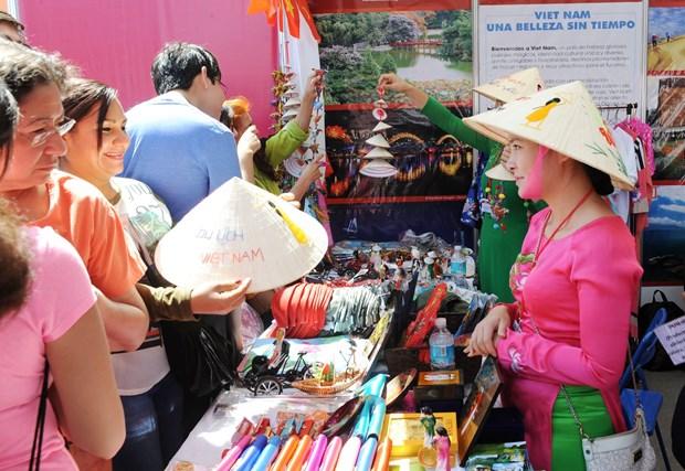 Cultura vietnamita seduce a amigos internacionales en Mexico hinh anh 5