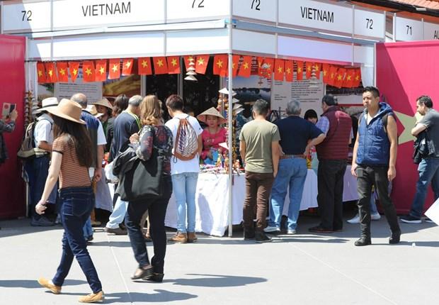 Cultura vietnamita seduce a amigos internacionales en Mexico hinh anh 1