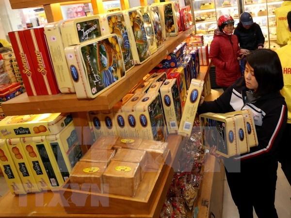Mercancias extranjeras ejercen presion sobre las empresas vietnamitas hinh anh 1