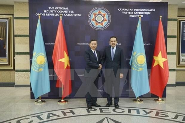 Vietnam y Kazajistan promueven cooperacion en seguridad hinh anh 1