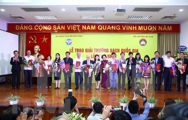 Vietnam premia a mejores titulos nacionales en Dia de Libro hinh anh 1