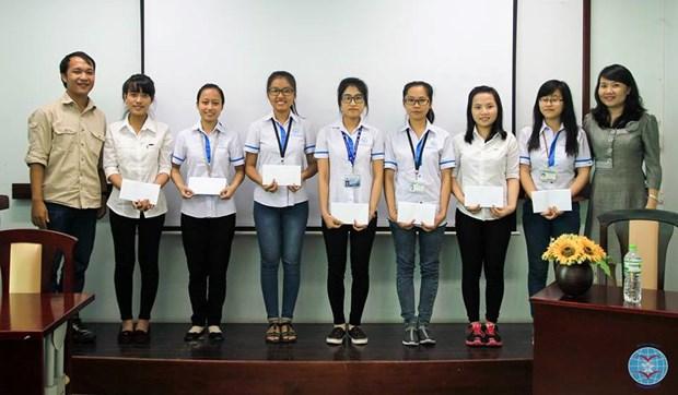 En Singapur gala de recaudacion de fondos para estudiantes vietnamitas desfavorecidos hinh anh 1