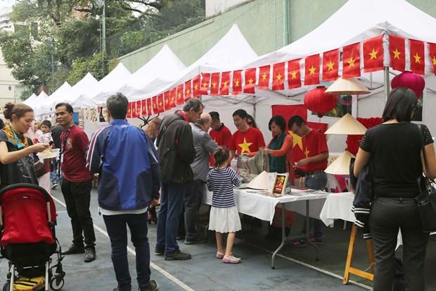 Participa Vietnam en Feria de Bazar de ASEAN en Argentina hinh anh 1