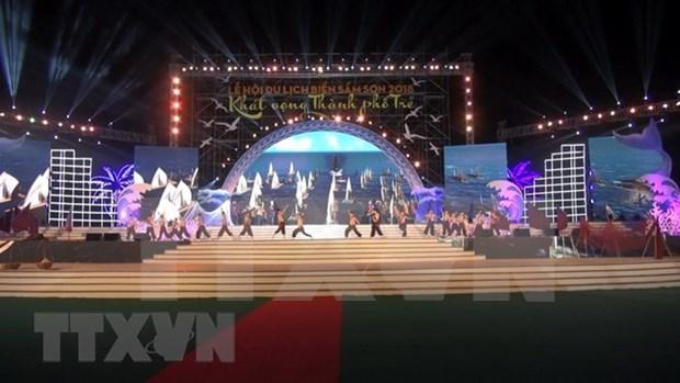 Nueva temporada turistica en Thanh Hoa se inicia con festival maritimo hinh anh 1