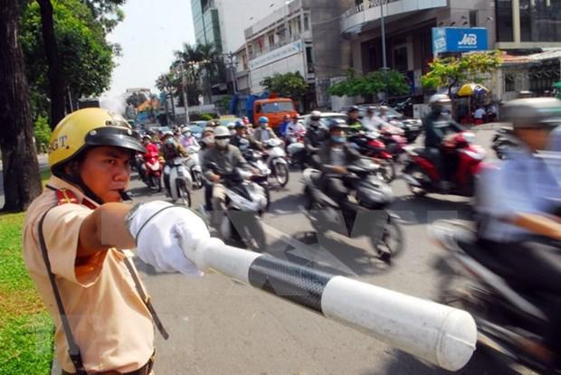 Ciudad Ho Chi Minh veda circulacion en calle Nguyen Hue en Dia de la Reunificacion hinh anh 1