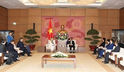 Vietnam concede importancia al desarrollo de nexos con Ucrania hinh anh 1