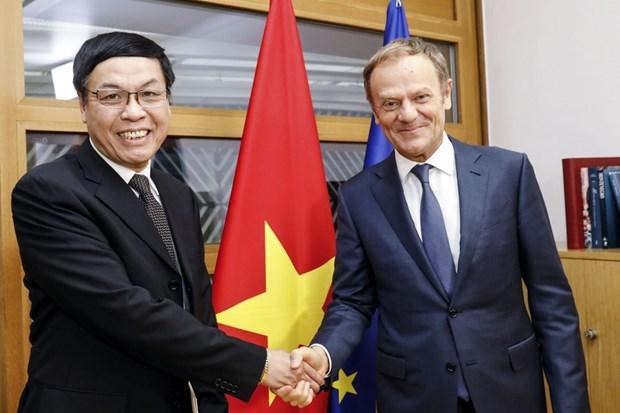 Rey belga Felipe resalta relaciones con Vietnam hinh anh 1