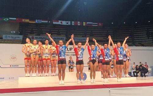 Vietnam conquista tres medallas de oro en la Copa Mundial de Aerobic Suzuki hinh anh 1
