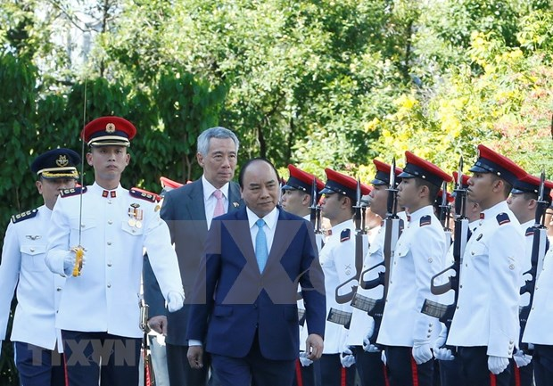 Premier singapurense recibe al homologo vietnamita hinh anh 1