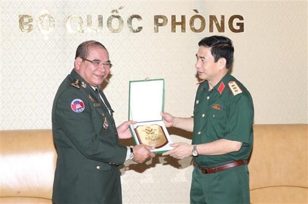 Vietnam y Camboya por promover cooperacion entre fuerzas guardafronteras hinh anh 1