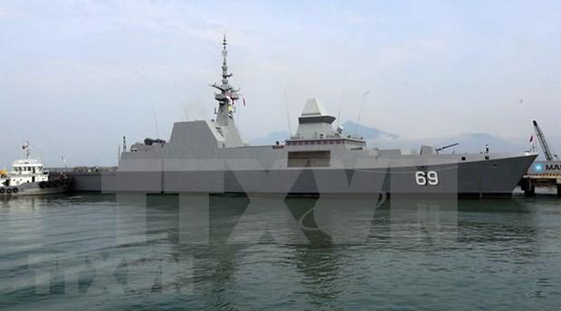 Destructor de Armada de Singapur atraca en puerto de Da Nang hinh anh 1