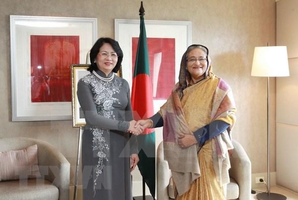 Vietnam y Bangladesh por compartir experiencias en diversos sectores hinh anh 1