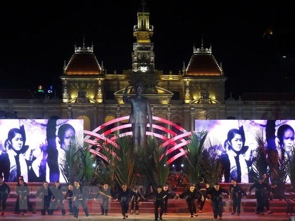 Ciudad Ho Chi Minh celebra Dia de Liberacion del Sur hinh anh 1